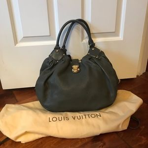 Louis Vuitton Mahina L Handbag in Anthracite